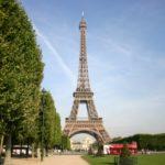 始めての海外旅行で英語もフランス語も話せないのに一人で、パリのクラブに出かけたらどうなる?